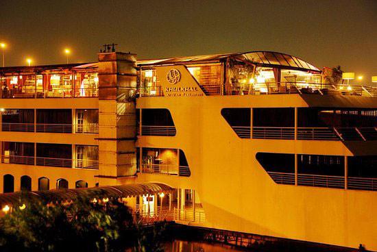 مركب-نايل-مكسيم-Nile-Maxim-Restaurants.j