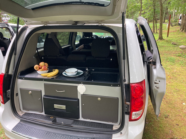 Dodge Grand Caravan Jucy van campervan