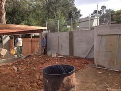 Muro e pergolado da garagem