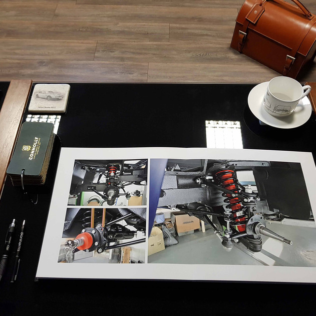 Aston Martin DB6 Photobook 7.jpg