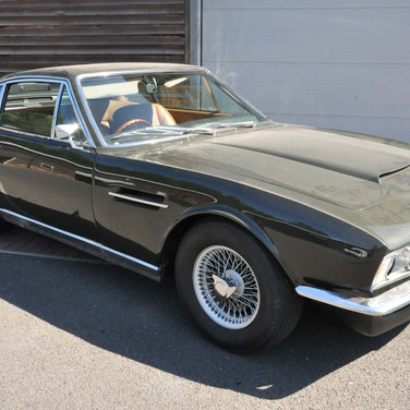 Aston_Martin_DBS_5634_S1 (34).jpg
