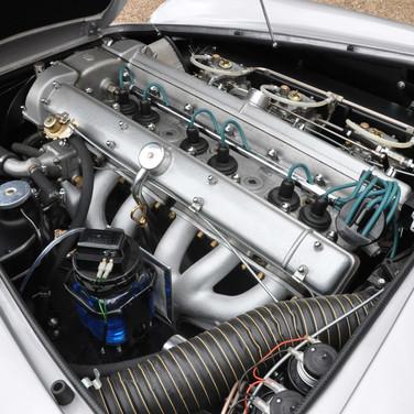 Aston_Martin_DB6_3280_2 (6).jpg