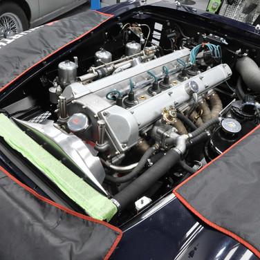 Aston_Martin_DB6_3240_AA3 (4).jpg