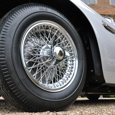 Aston_Martin_DB6_3280_1 (15).jpg