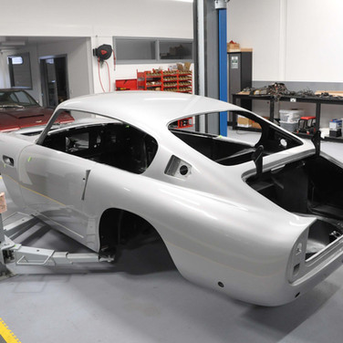 Aston_Martin_DB6_Assembly_3280_0422.jpg