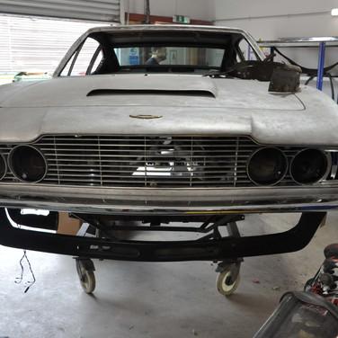 Aston_Martin_DBSV8_10165_F9 (3).jpg