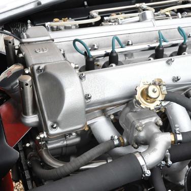 Aston_Martin_DB6_3280_2 (4).jpg