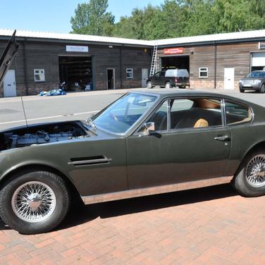 Aston_Martin_DBS_5634_S1 (33).jpg