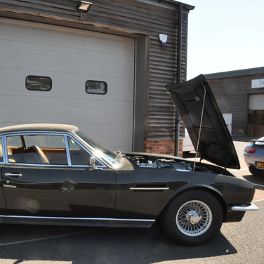 Aston_Martin_DBS_5634_S1 (31).jpg