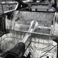 Aston_Martin_DB6_Assembly_3280_0897.jpg