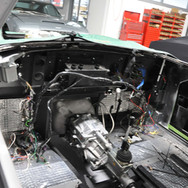 Aston_Martin_DB6_Assembly_3280_0261.jpg