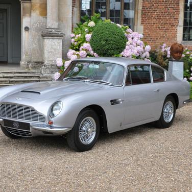 Aston_Martin_DB6_3280_1 (1).jpg