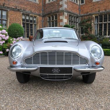 Aston_Martin_DB6_3280_1 (9).jpg
