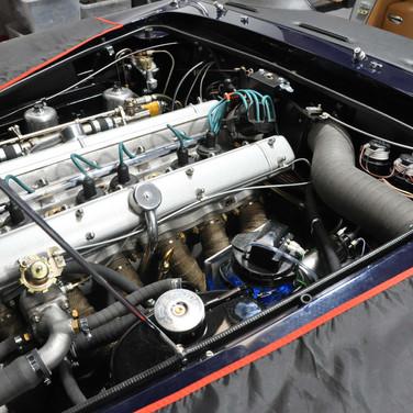 Aston_Martin_DB6_3240_AAA4 (8).jpg