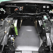 Aston_Martin_DB6_Assembly_3280_0878.jpg