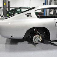 Aston_Martin_DB6_Assembly_3280_0982.jpg