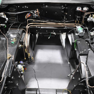 Aston_Martin_DB6_Assembly_3280_0978.jpg