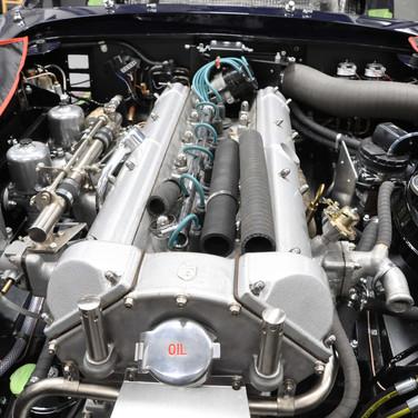 Aston_Martin_DB6_3240_AA1 (1).jpg