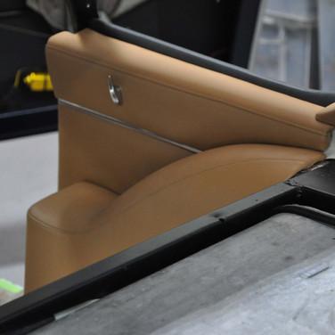 Aston_Martin_DB6_3240_AAA5 (4).jpg