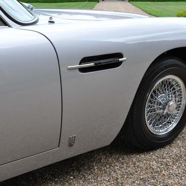 Aston_Martin_DB6_3280_1 (10).jpg