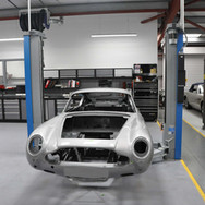 Aston_Martin_DB6_Assembly_3280_0418.jpg