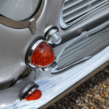 Aston_Martin_DB6_3280_1 (25).jpg
