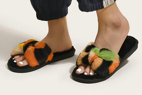 Color Block Fluffy Slippers