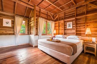 Geranium 1 Bed.jpg