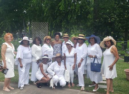 Hosting the MacGregor Garden Club