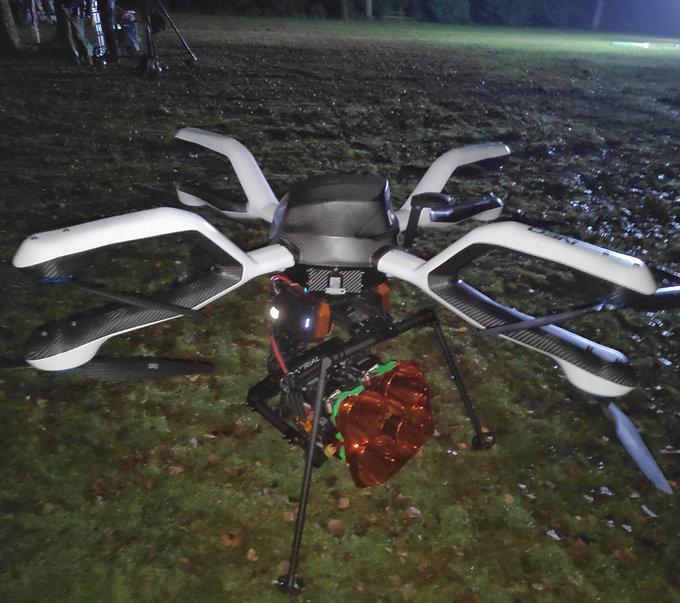 heavy lift lighting drone