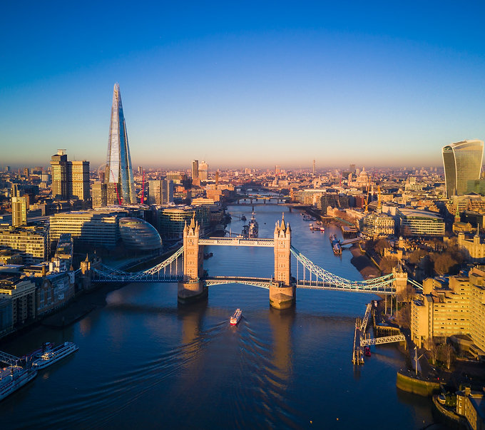 aerial-view-of-london-and-the-tower-bridge-2SDZ6W9.jpeg