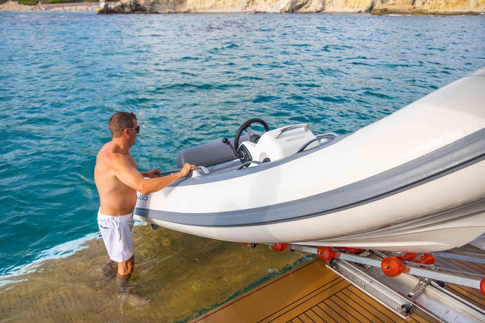 Sunseeker 65 Sport Yacht-65.jpg