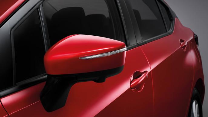 All-New-Nissan-Almera-side-lamp-3200x180