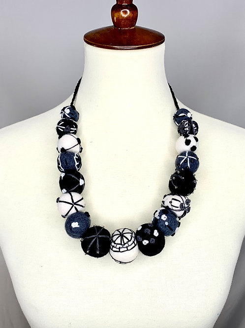Felt Necklace - Black & White