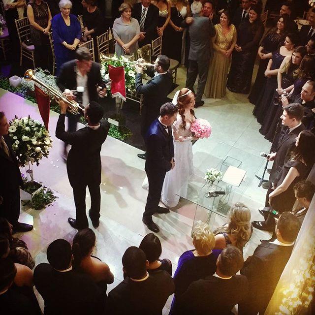 Realizando hoje o casamento da Renata e Jorge !! #buffetdellorso #paganinicoral #mtmpro #dvjricardob