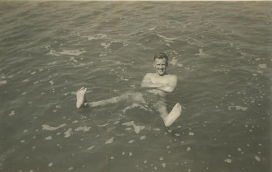 5 1941 31 May Dead Sea Ken Heyes Swimmin