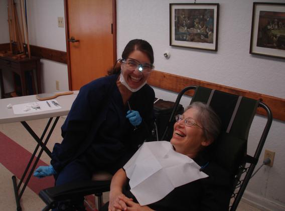 Senior dental program with Mimi De La Roi, RDHAP