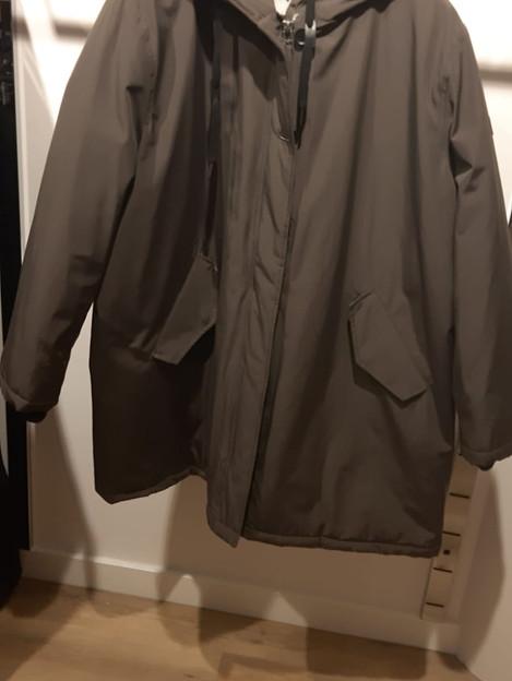 Wind en waterdichte jas. Merk Etage. Kleur stone grey. maat 50 en 52. €95