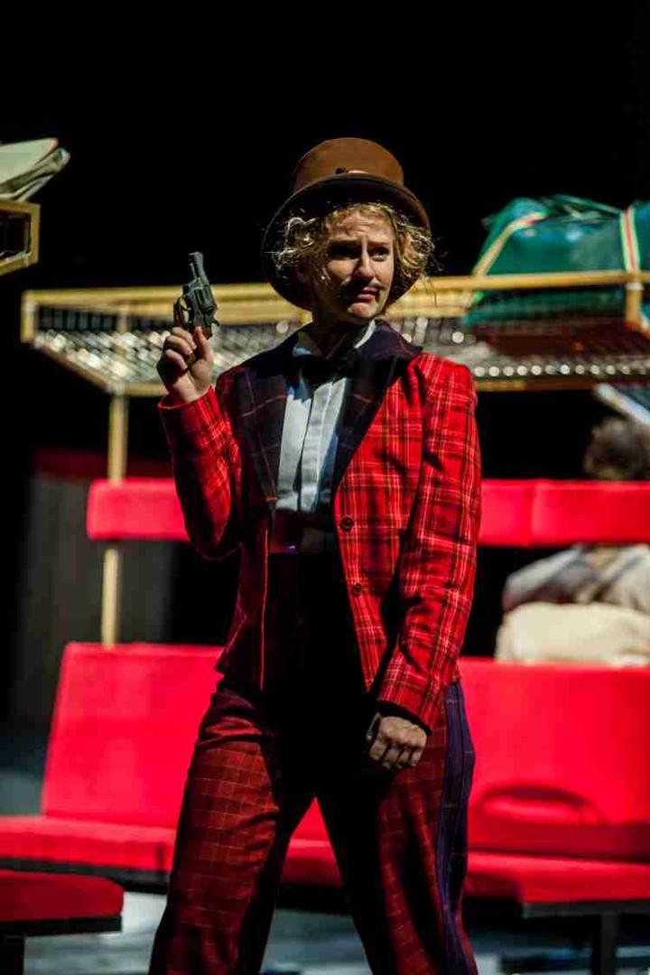 In 80 Tagen um die Welt - Theater Trier