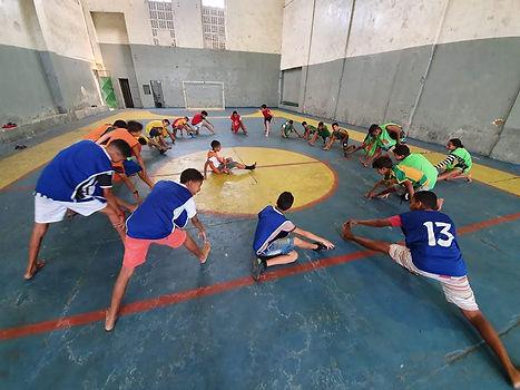 Atividades Esportivas na Quadra da Instituição.