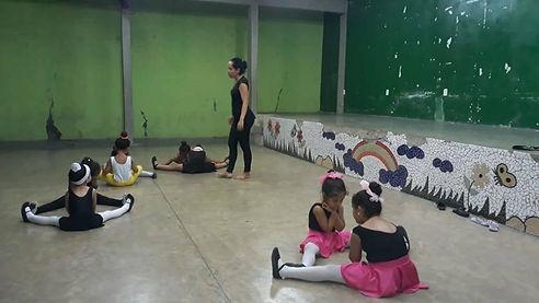 Aulas de Baby Class no Anexo da ARCA.