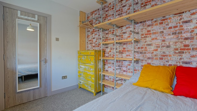 148 bevendean Bedroom 1.JPG