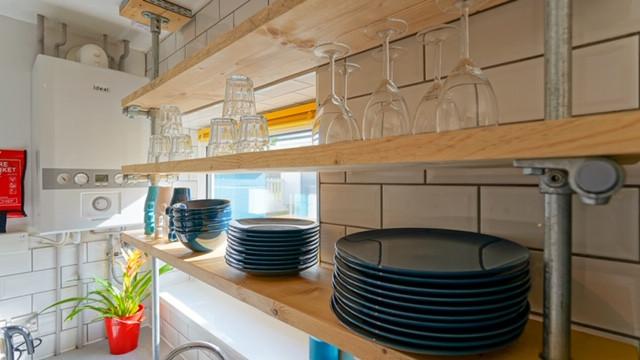 148 bevendean Kitchen detail 1.JPG