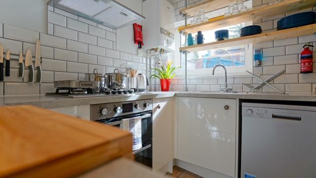 148 bevendean Kitchen detail 2.JPG