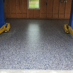 Garage in Hillsborough NC finished in Touch of Blue flake color