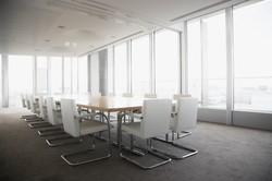 Sala de conferências luminosa