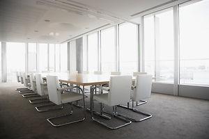 明るい会議室