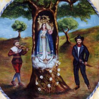 La Virgen de Villaviciosa con atuendo inmaculista. Antiguo simpecado de la Hermandad. V. Ferrera, año 1956.