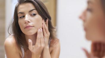 """""""Furinhos"""" visíveis na pele - Poros dilatados"""