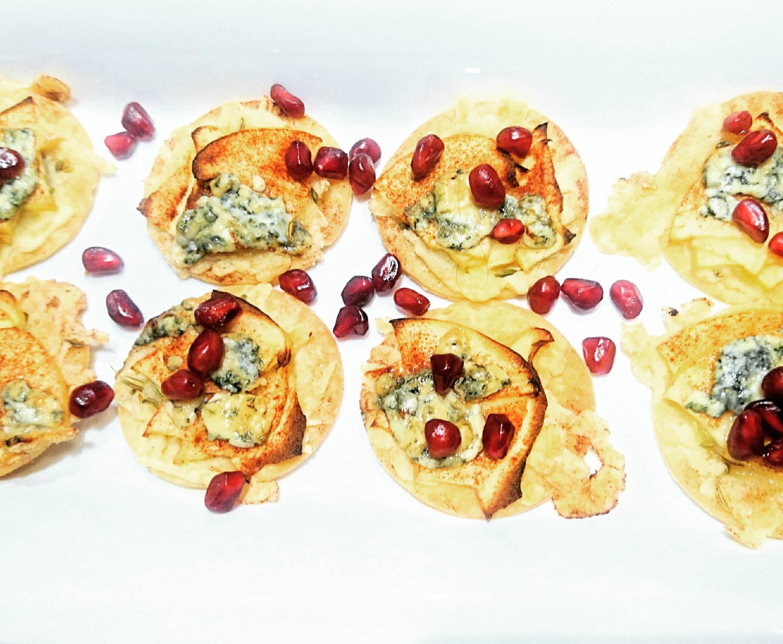 Flatbread bites met appe en blauwe kaas